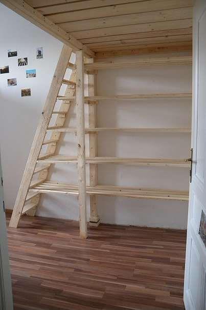 Hochbett über der Tür, ideal für kleines Zimmer…