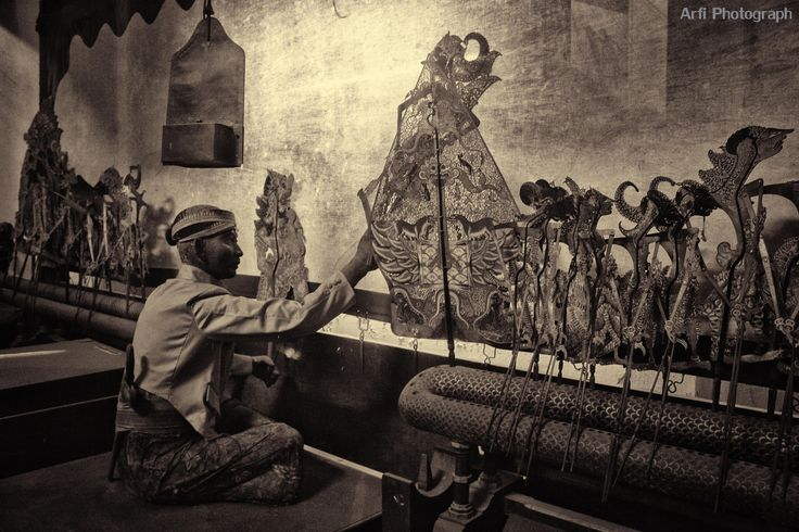 Dalang wayang (Indonesian Culture) by Arfi Andriyan on 500px