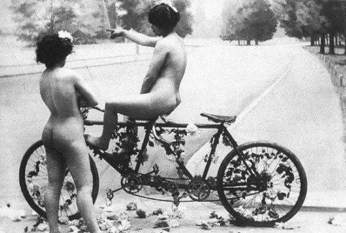 vintage bicycle girl nude