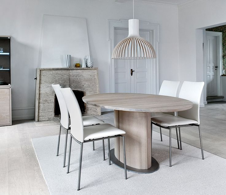 A17273 Dining Table