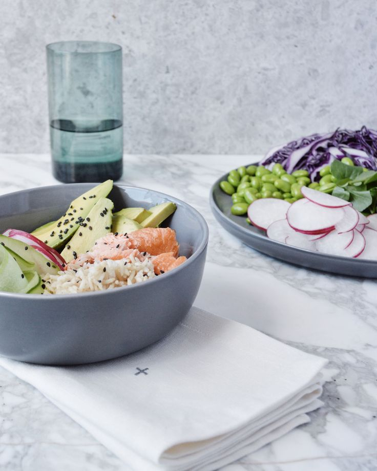 Hosting guests over the weekend? Find our favourite The Gluten Free Table sushi bowl recipes on our journal at http://www.countryroad.com.au/livewithus/sushi-bowl-recipes-by-the-gluten-free-table.html