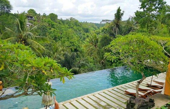 Infinity pool at private villa Tjampuhan #UBUD