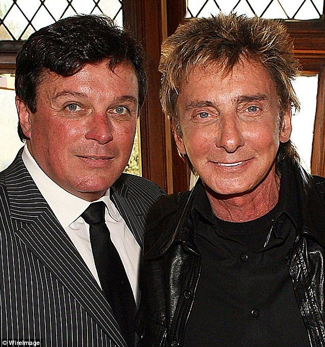 Barry Manilow and his husband Garry Kief. Congratulations to them on their marriage.