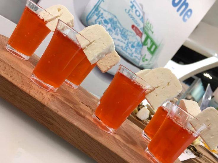 #spritz #cocktail #robiola #tuttofood #food #formaggio #aperitivo #aperitomino #fiera #milano #italy #cooking #cucina #piemonte