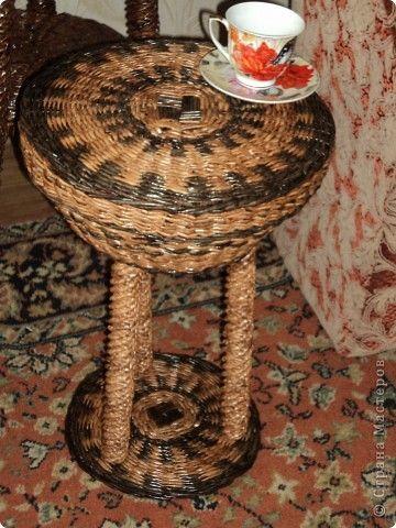 Кофейный столик из трубочек. - Плетение из газетных трубочек - Поделки из бумаги - Каталог статей - Рукодел.TV