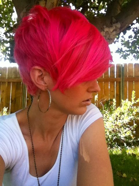 Shaggy Pink Pixie Cut. @Sara Calderas your next cut? i like the back! maybe pink…