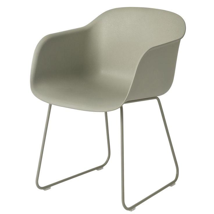 Fiber Sled stol från Muuto, formgiven av Iskos-Berlin. En modern vardagsstol med innovativ design oc...
