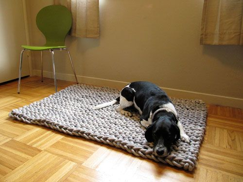 Great big hand knit rug: Dogs, Rugs Patterns, Rope Rug, Giant Knits, Braids Rugs, Knits Ropes, Ropes Rugs, Knits Rugs, Knits Needle