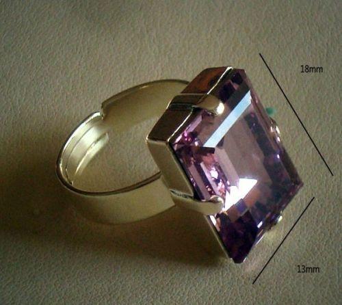 Taralenas Jewels...I am on twitter facebook my website is www.taralenasjewels.com