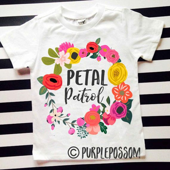 Flower Girl Floral Wreath Tshirt, the perfect shirt for rehearsal night or wedding day :) Sizes pull down  ****BOW NOT INCLUDED***