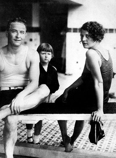 F. Scott Fitzgerald | Gatsby: F Scott Fitzgerald and his wife, Zelda, with daughter Frances ...