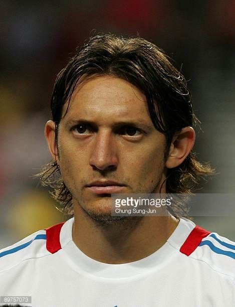 Edgar Barreto of Paraguay stands before the international friendly match between South Korea and Paraguay at Seoul Worldcup stadium on August 12 2009...