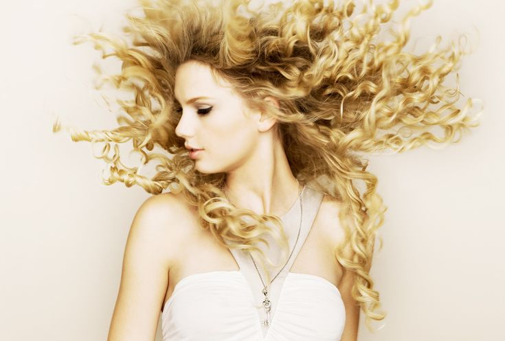 HQ version of Taylor's Fearless album cover.