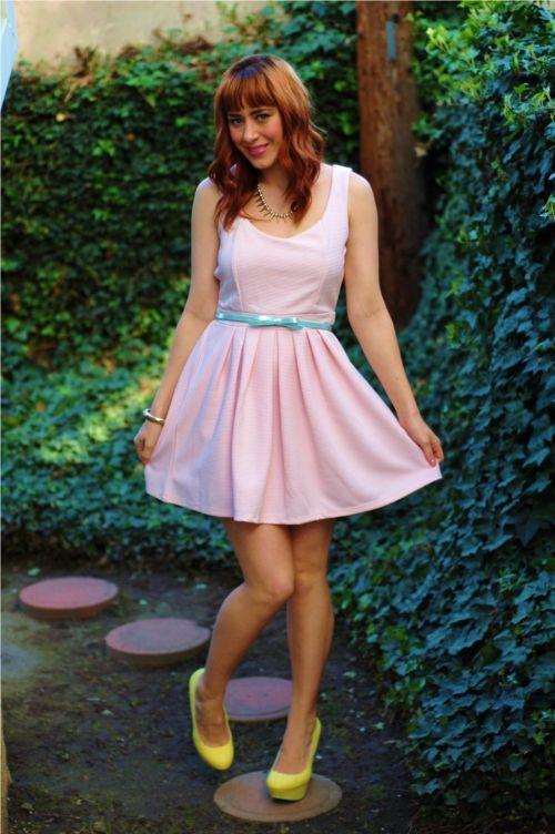 #blogger Ashley Pistone in a Deb Shops cutout #heart dress!