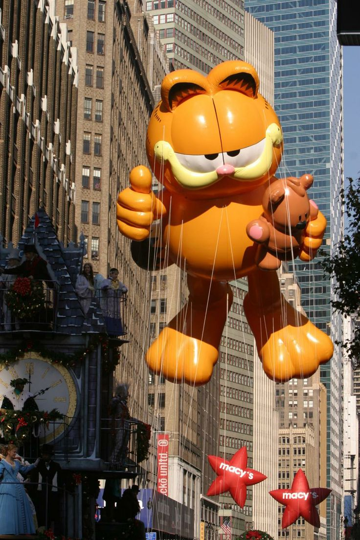 Back to previous page home garfield holiday celebrations - 27 Memorable Macy S Thanksgiving Day Parade Balloons