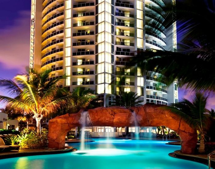 Own A Condo At The Trump International Beach Resort In Sunny Isles Beach Florida Beach Resorts Miami Resort Miami Beach Resort