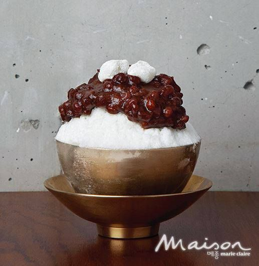Korea red-bean sherbet  'Pat Bing Su' 경성팥집 옥루몽 빙수