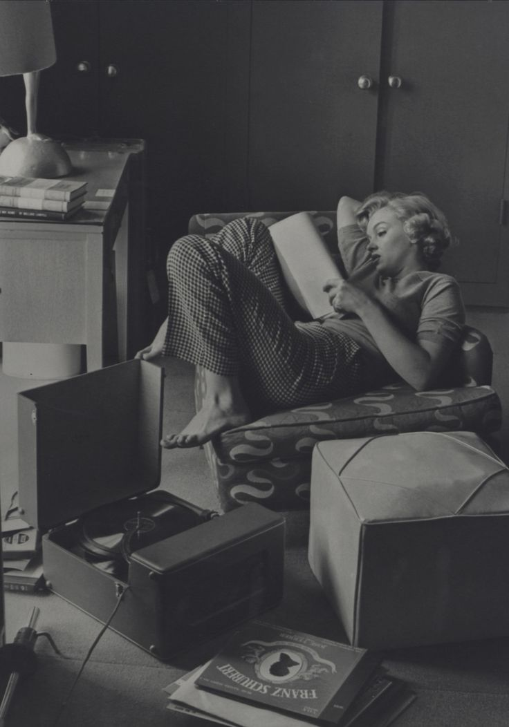 By now most portraits of Marilyn Monroe are widely seen — except for a batch discovered by the wife of fashion photographer Andre de Dienes.