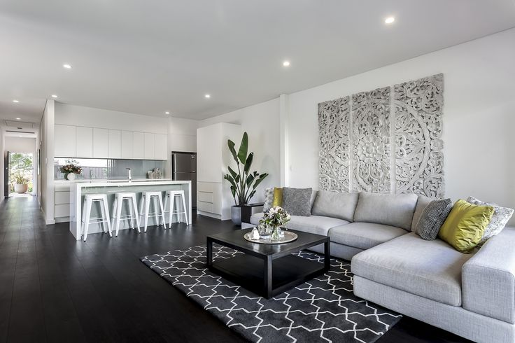 A living room renovation completed by Matthew Campbell for KMH Projects in Beverley Park, Sydney.  A special acknowledgment to the designers at Poppy Home in Carss Park, Sydney.