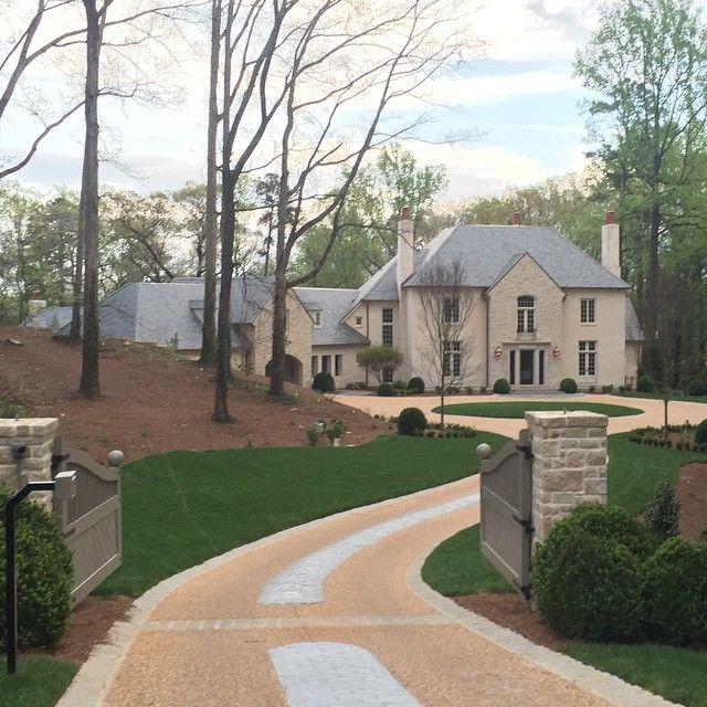 Atlanta Landscaping: Instagram (@limestoneboxwoods)