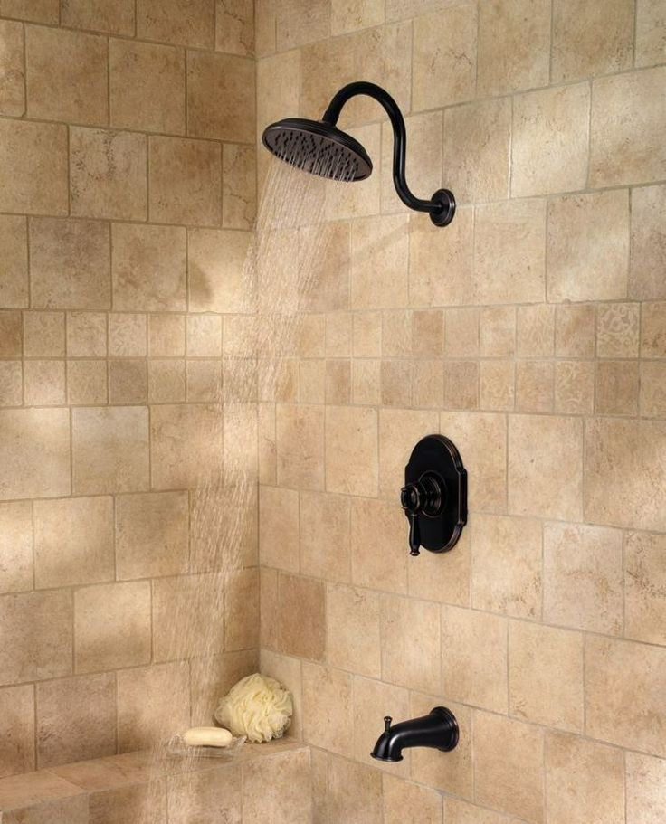 les 25 meilleures id es de la cat gorie douche travertin sur pinterest salle de bain travertin. Black Bedroom Furniture Sets. Home Design Ideas