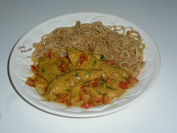 Poulet sauté, légumes et nouilles chinoises (11SP)