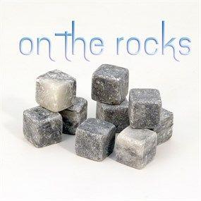 Cubitos para dejar de piedra a tus invitados. Se guardan en el congelador y no aguan las bebidas.