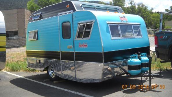 restored vintage travel trailers for autos weblog. Black Bedroom Furniture Sets. Home Design Ideas