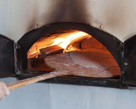 Lär dig baka bröd i vedugn! - Gård och Torp