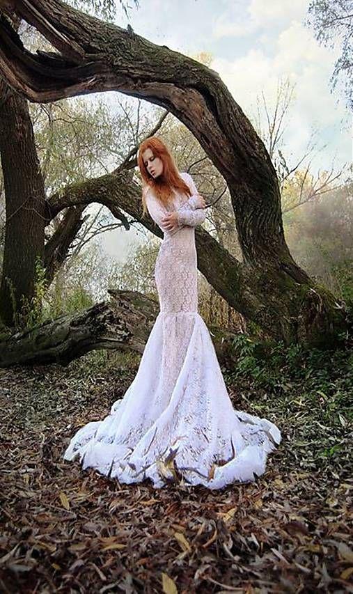 Biele čipkové šaty