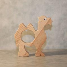 """Rond de serviette """" chameau """" chantourné en bois"""