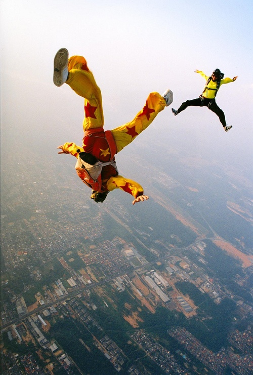 """skydiving speech About ypo ypo board of how do you effectively open a speech or presentation to prevent """"imagine jumping out of a skydiving plane and discovering your."""