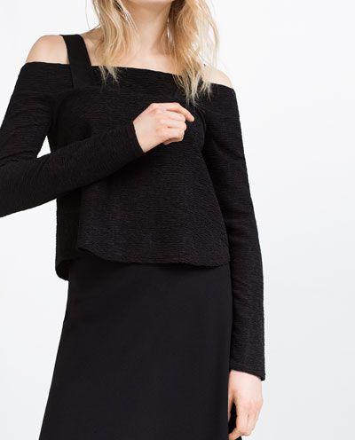 Imagem 3 de TOP COM DECOTE NOS OMBROS da Zara