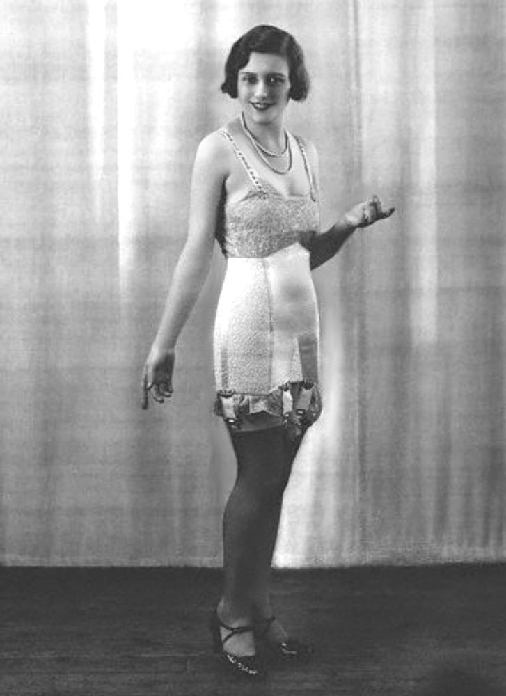 Vintage Girdle Pictures 25