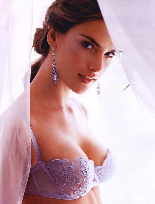 gal gadot nue actrice batman v superman fast and furious topless diana roses wonder woman sein sextape cul fesse lingerie sexe 14 228x300