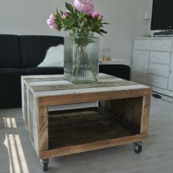 steigerhout salontafel http://www.studiofien.nl/Producten/Wonen/Salon_Tafels/Hocker_tafel_Steffie 95€
