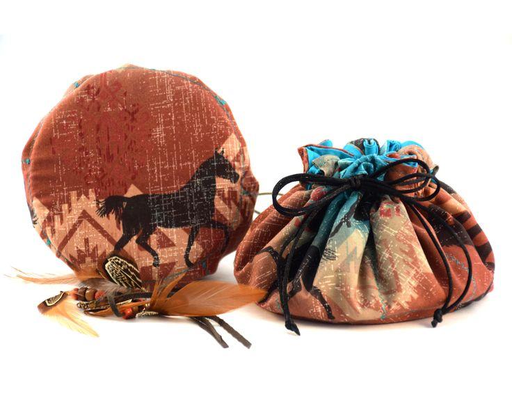 Bourse à bijoux, Sac organisateur, Voyager avec vos bijoux séparés et en sécurité, flèches, tribal, bohème, chevaux, cheval, équitation de la boutique LaPistacheArtistique sur Etsy