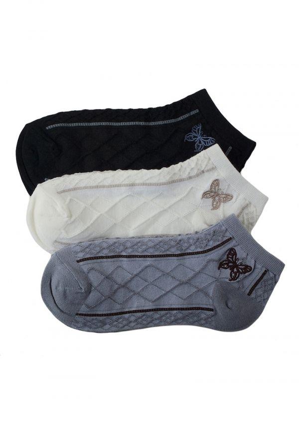 SKARPETKI FOOTIES SC f45 Skarpetki stopki bawełniane - miękkie i przyjemne w dotyku.  Ozdobą są w subtelne motylki na wzorzystym tle oraz nieuciskający wykończony ściągacz.