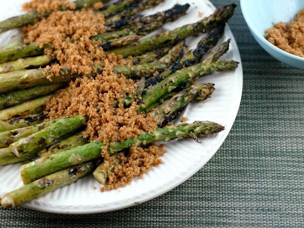 Grilled Asparagus With Buttery Breadcrumbs (marinate asparagus for 30 ...
