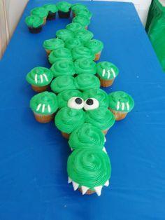 Cocodrilo hecho con cupcakes para una fiesta de Jake y los piratas. #CupcakesFiestas