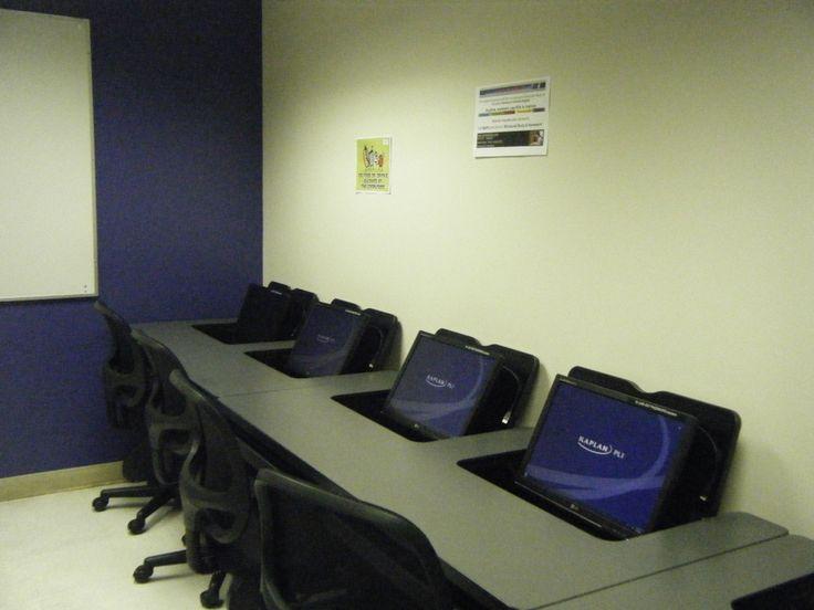コンピューター室です。生徒が使用することができます。KAPLANの詳しい情報はこちらから☆http://www.vc-ryugaku.com/school/lang/s26.html