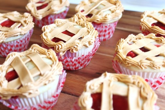 Cherry Pie Cupcakes - how cute!