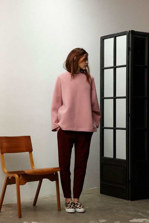pink oversized sweater!