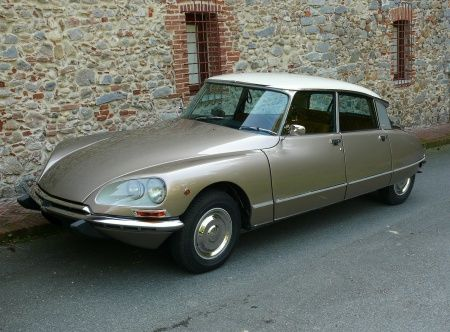 citroen ds 23 1974 low rider slow heavy french charm champagne pearl golden vintage. Black Bedroom Furniture Sets. Home Design Ideas