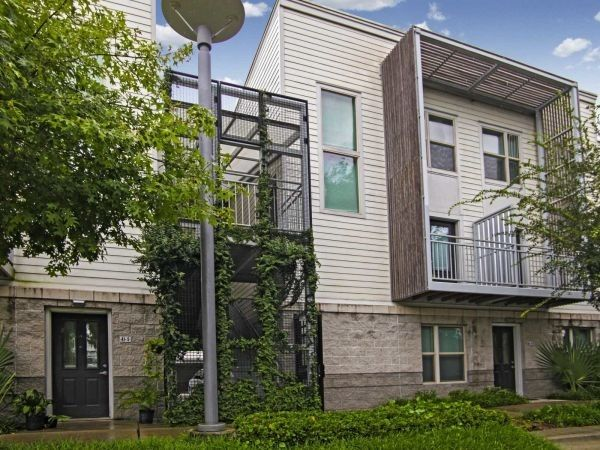 See All Available Apartments For Rent At Mid City Gardens Move In Specials In Baton Rouge La Mid City Gardens M City Garden Outdoor Pavillion Mid City