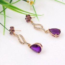 cercei cu cristale mov http://www.bijuteriifrumoase.ro/cumpara/set-bijuterii-swing-de-lux-3281