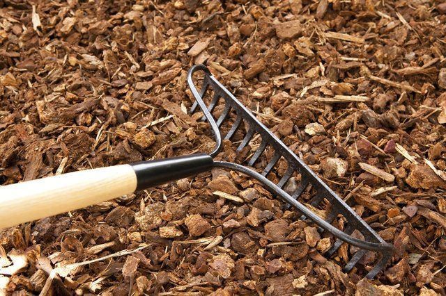 How To Color Wood Chips Cheap Landscaping Ideas Inexpensive