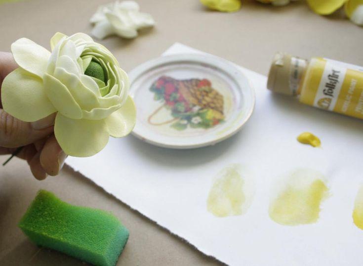 Как и чем красить фоамиран
