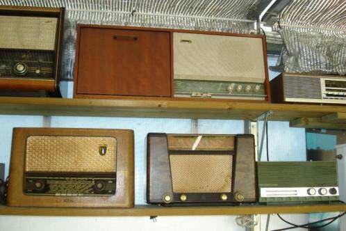 Bekijk dit items in mijn Etsy shop https://www.etsy.com/nl/listing/271800824/veel-vintage-buizen-radios-lot-of