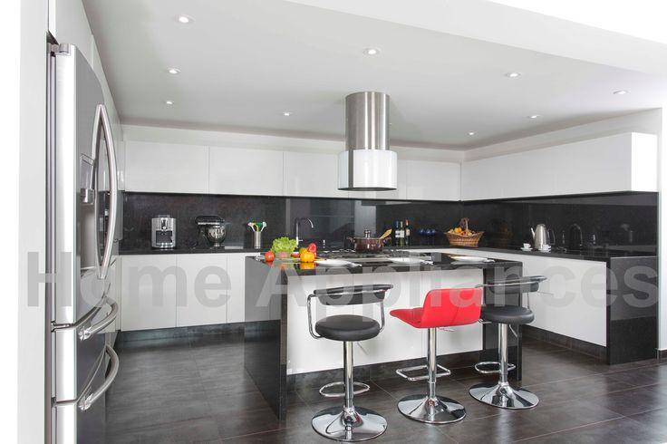 Centro de Diseño Floresta LC 26 #cocinas #cocina #kitchen  #art #desing #diseño #home #homeappliances #hogar #electrodomesticos #casa #campana #isla #blanco #muebles